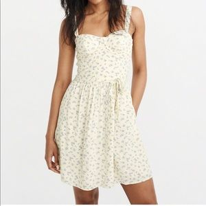 🌸 Abercrombie & Fitch bustier floral dress 🌸